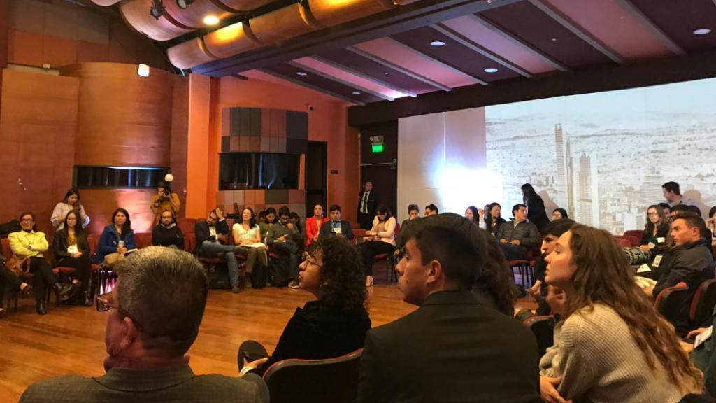 Foto de una charla durante el evento
