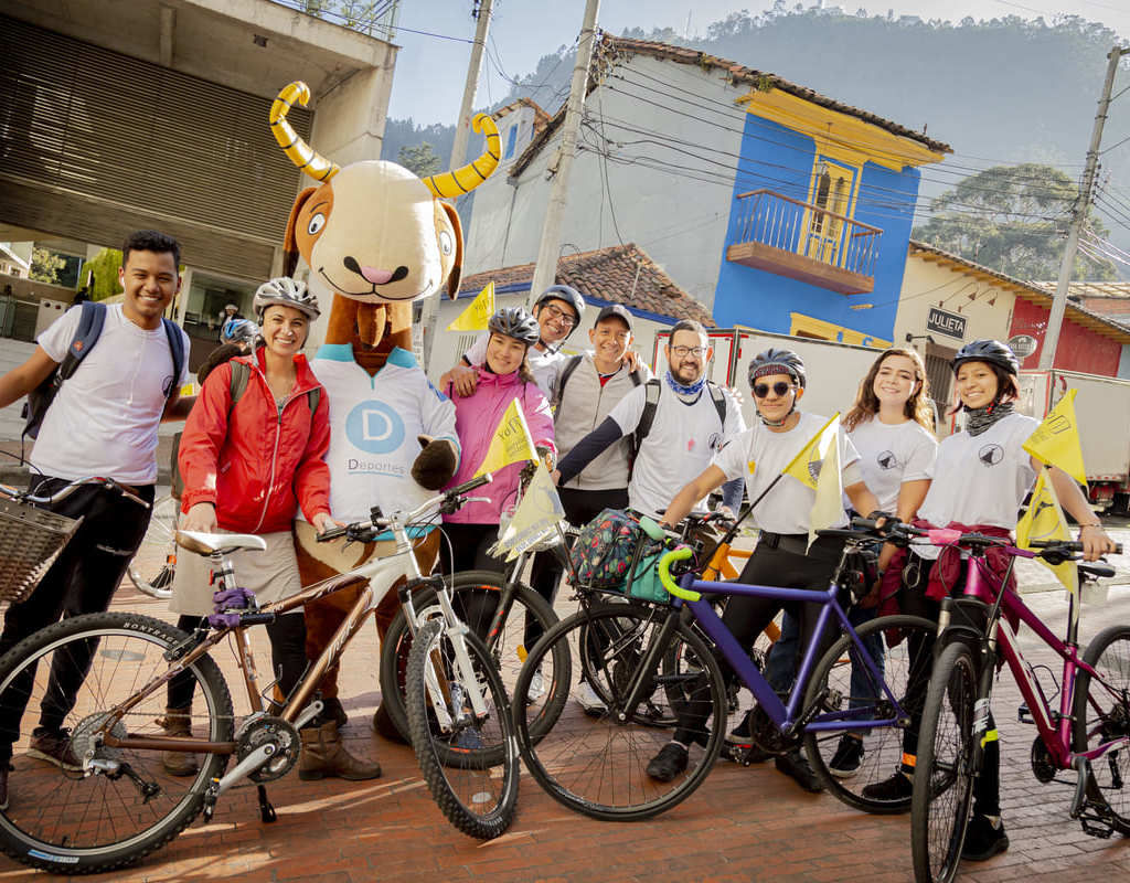 Foto de estudiantes junto a Séneca