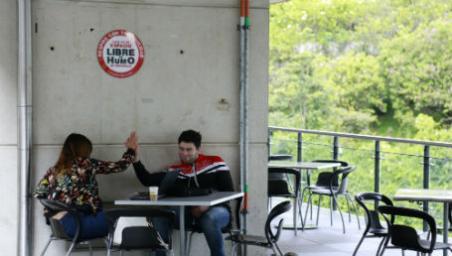 En el mundo hay 1.100 millones de fumadores, según la OMS.
