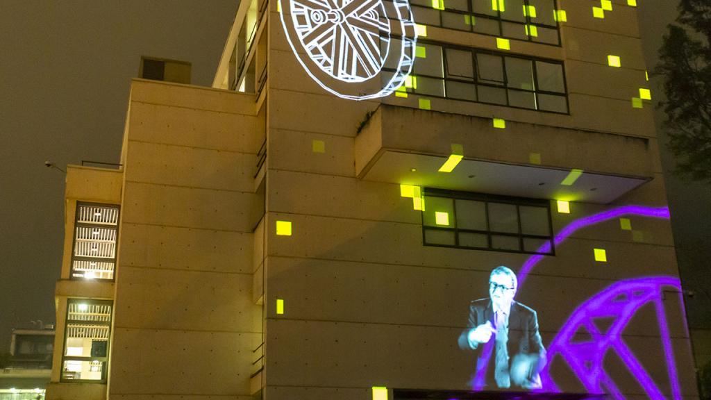 Imagen mapping fachada edificio W.
