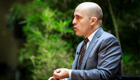 Alberto Simpser, analista internacional experto en temas de corrupción.