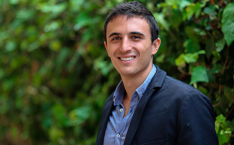 Andrés Mauricio Guiot Isaac, grados, graduando