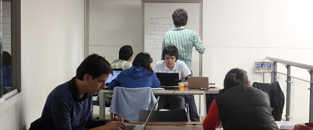 Estudiantes Beca PEG Economia
