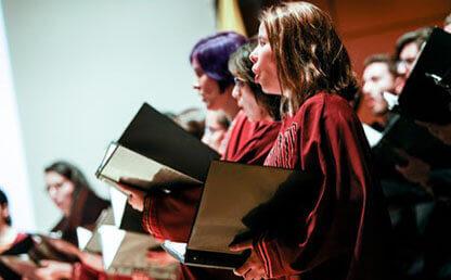 Cantante coro Universidad de los Andes