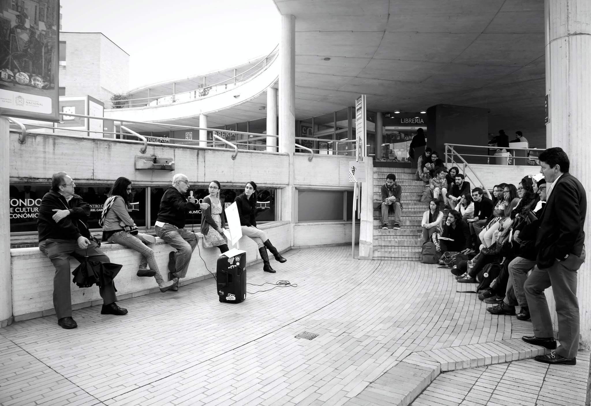 Clase de Uniandes en el Centro Cultural García Márquez