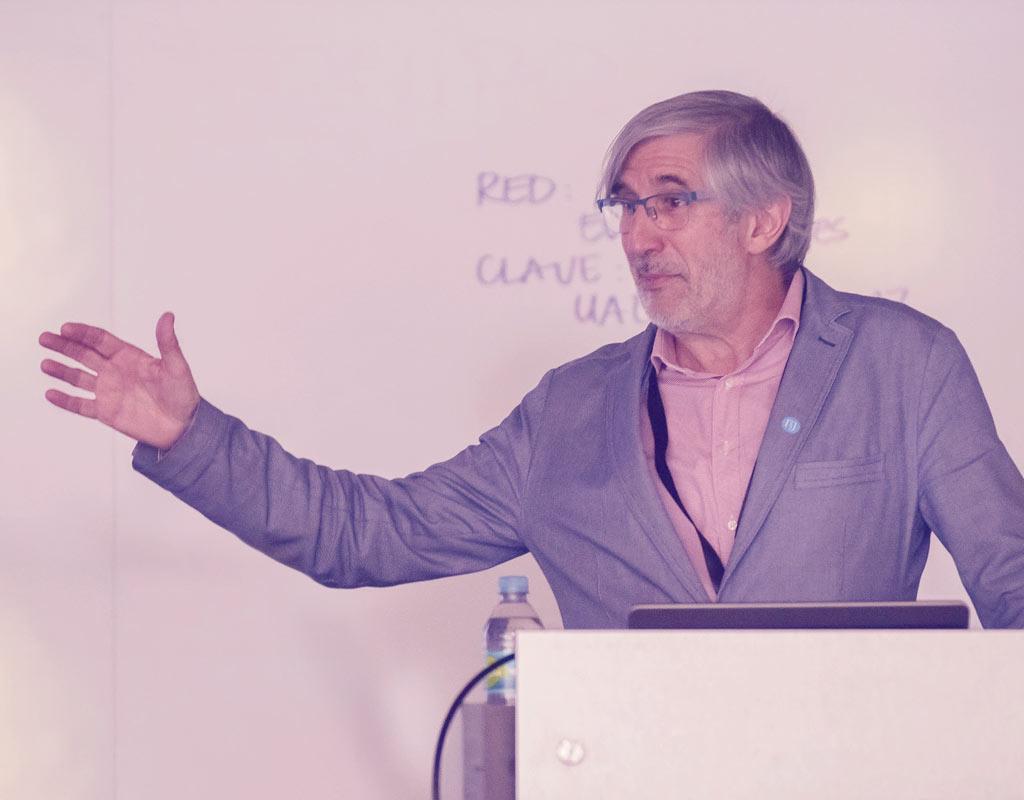 Joaquín Sabaté Bel es arquitecto y economista, catedrático de urbanismo de la Universidad Politécnica de Cataluña.