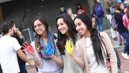 Estudiantes de Los Andes en el Día Paíz en 2016