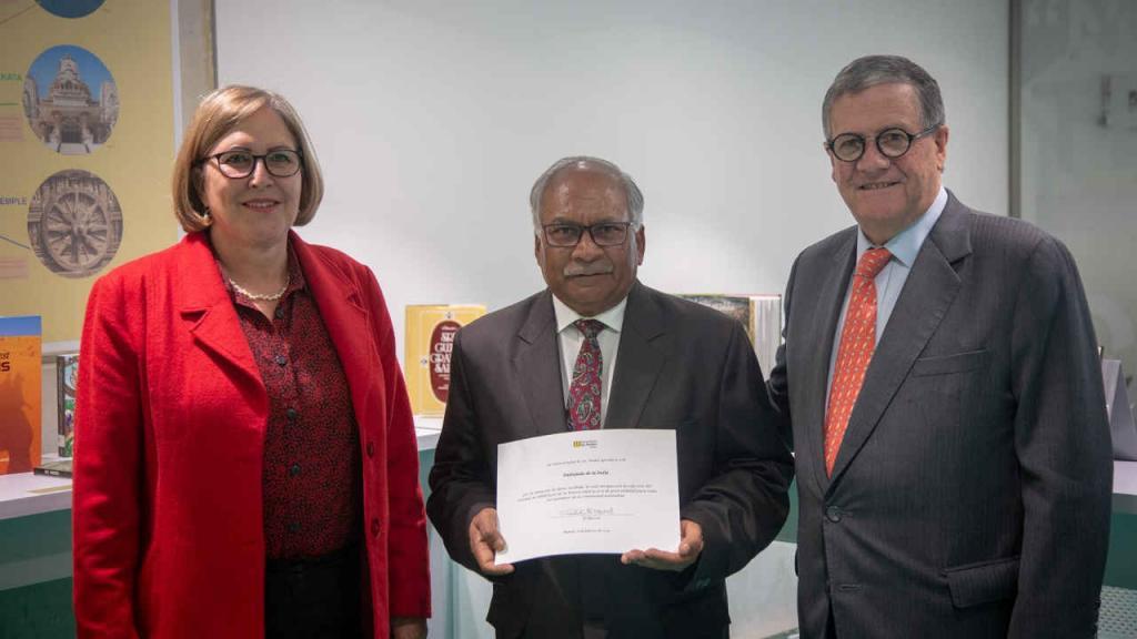 Visita de Ravi Bangar, embajador de la India en Colombia, a la Universidad.