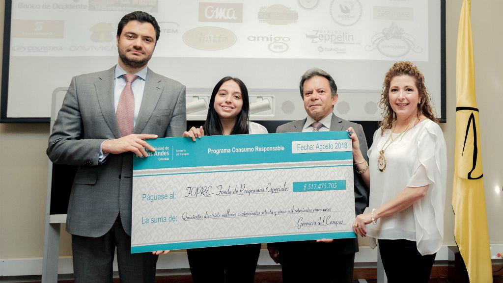 Eduardo Behrentz Entrega del cheque de apoyo al Fondo de Programas Especiales (Fopre).