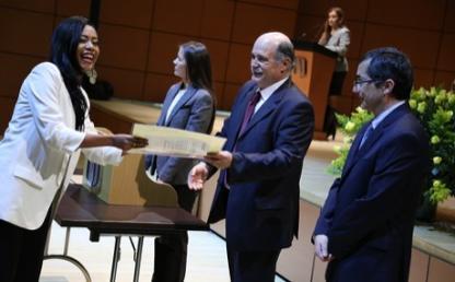 Grados, posgrados,  entrega de diplomas