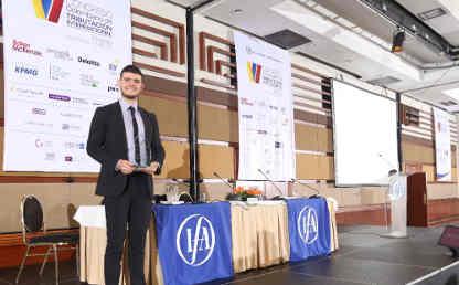 Santiago Gómez es gestor académico de la Maestría en Tributación de la Facultad de Derecho de Los Andes.