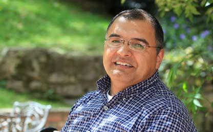 Hugo Ramírez, director del Departamento de Lenguas y Cultura de la Universidad de los Andes.