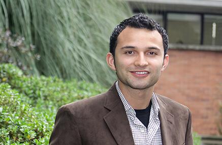 Óscar Camilo Salgado Barrero - Grado Summa Cum Laude en Microbiología (2010)