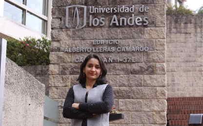 Paula Giraldo, profesora del Departamento de Física de la Universidad.