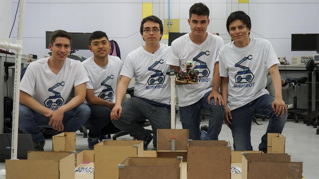 Retrato de estudiantes con un robot