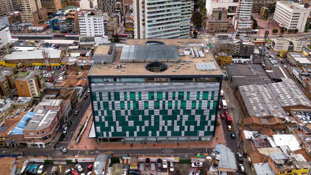 Imagen aérea del edificio Santo Domingo, donde está ubicada la Facultad.