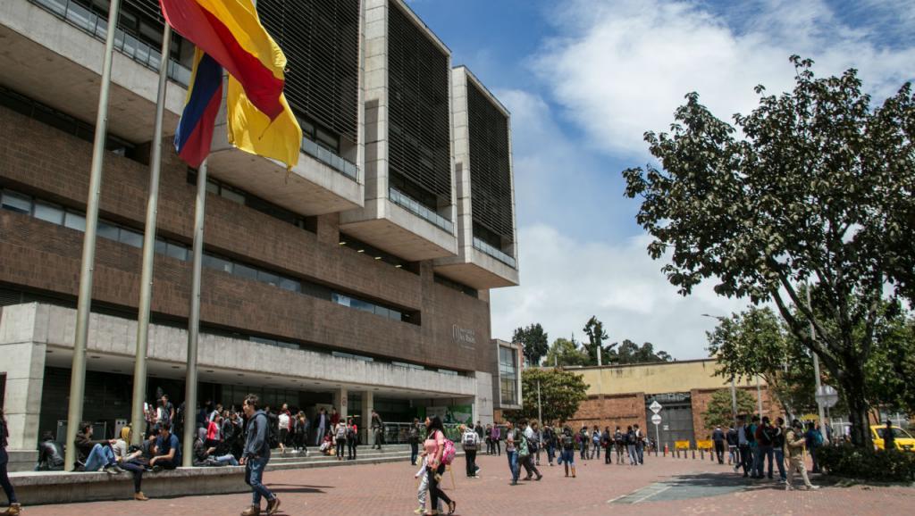 Frente del edificio Mario Laserna, Universidad de los Andes