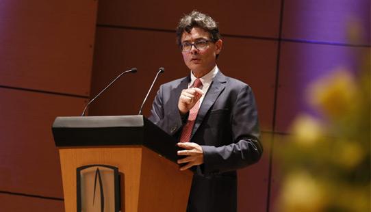Foto del rector Alejandro Gaviria Uribe