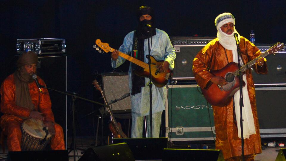 Tinariwen agrupacion de blues del sahara