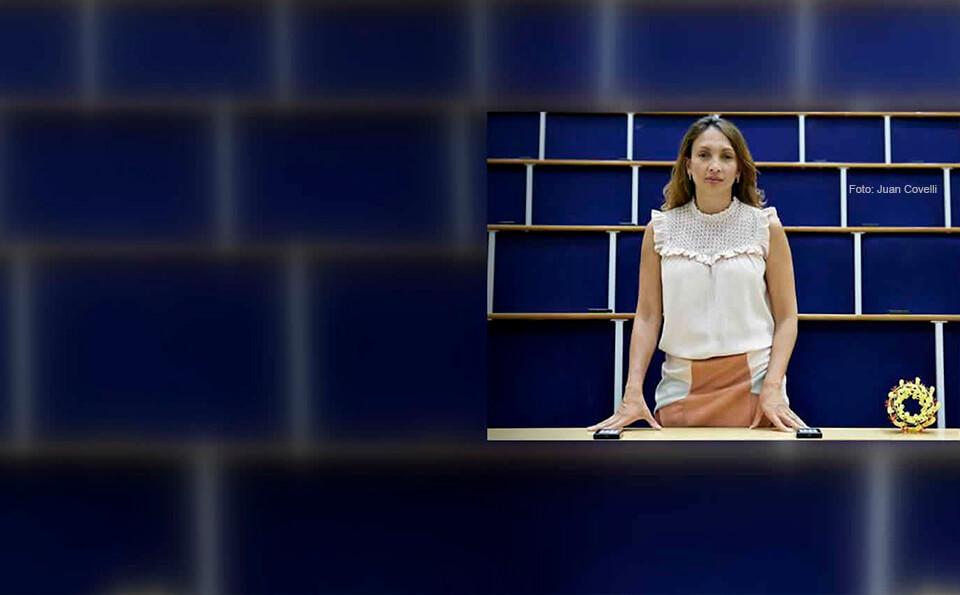 Alexandra Olaya Castro astrofisica universidad distrital los andes oxford medalla maxwell