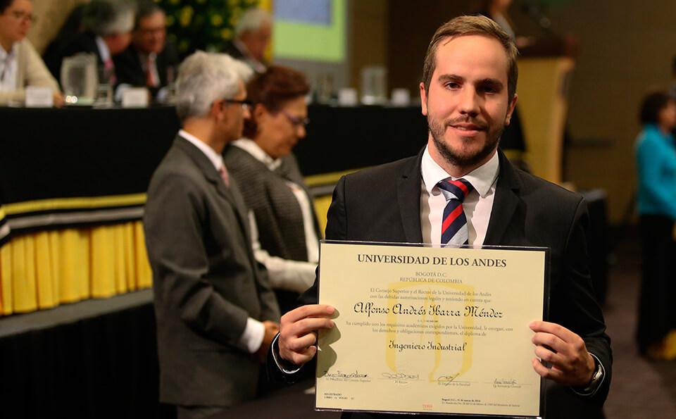 Foto graduando Alfonso Ibarra