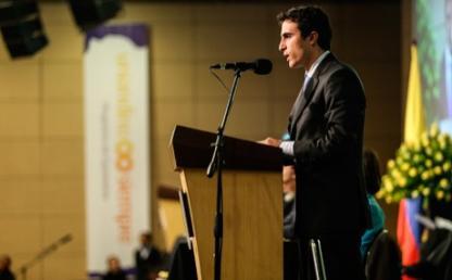 Andres Mauricio Guiot Isaac, graduando departamento filosofia