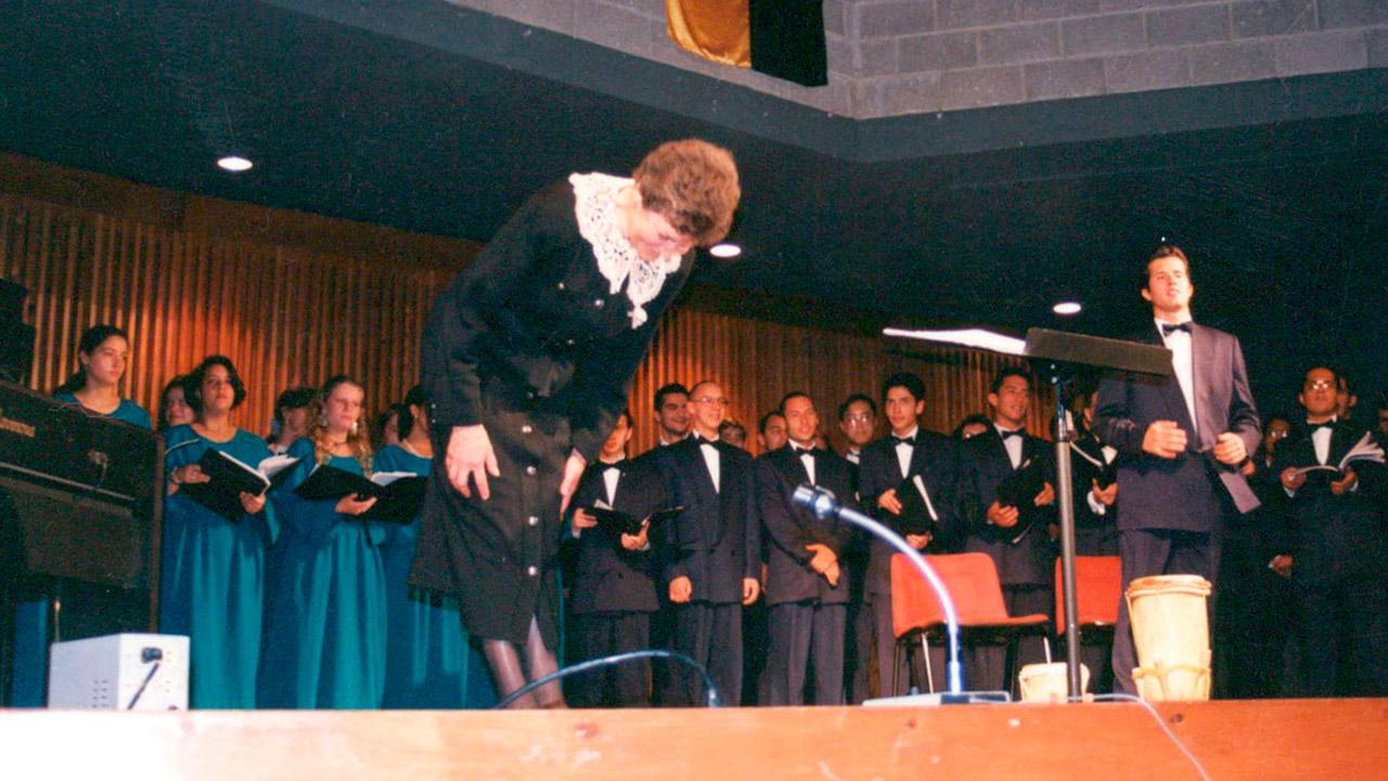 Presentación del Coro Uniandes en el auditorio de la Universidad