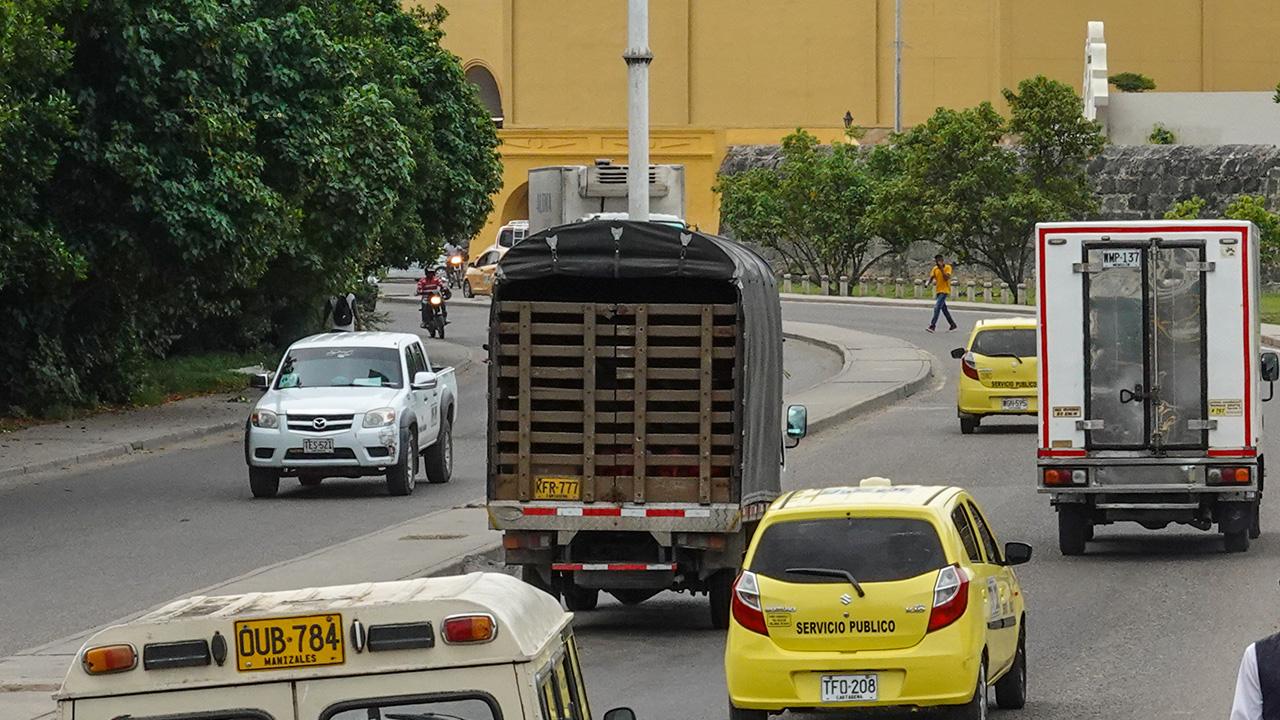 Contaminación generada por camiones pesados y buses