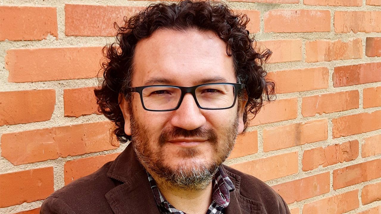 César Galindo, vicedecano académico de la Facultad de Ciencias de Uniandes.