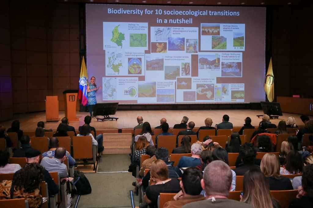 Foto de Brigitte Baptiste, rectora de la Universidad EAN, en Cumulus