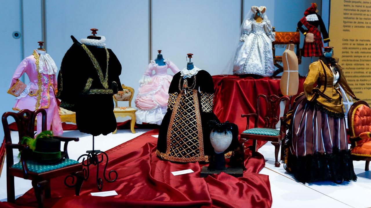Vestuario de la colección de marionetas de Jaime Manzur