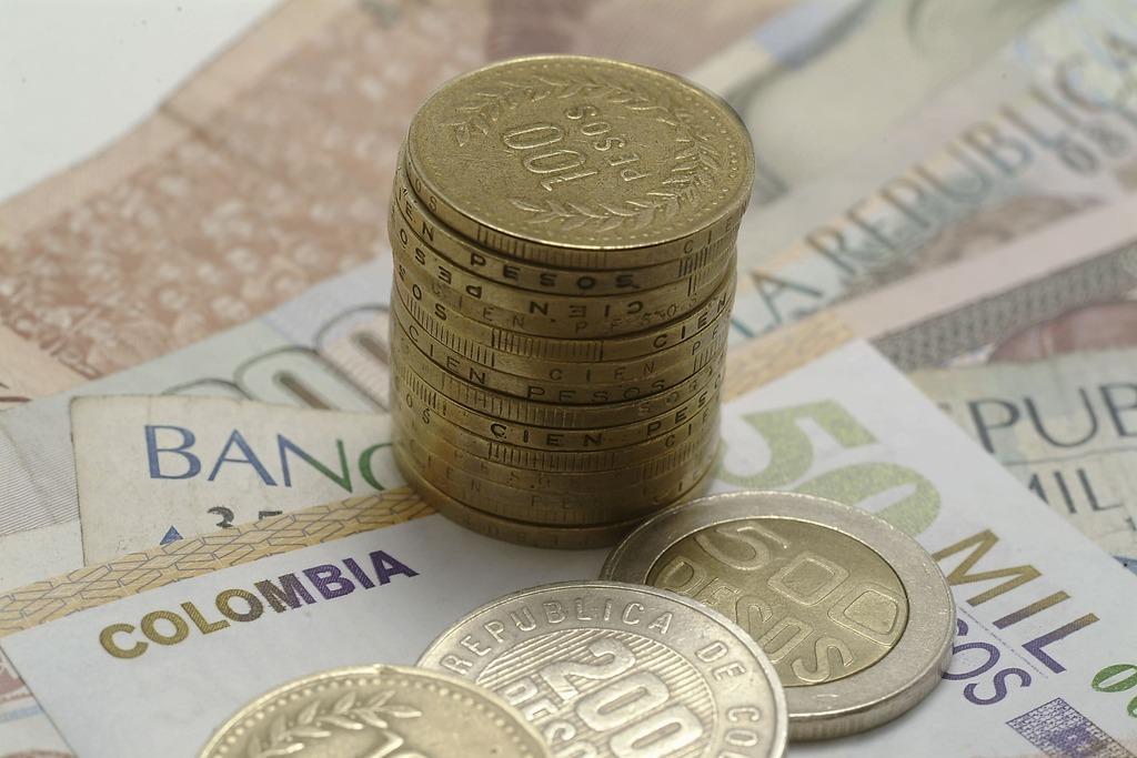 foto de billetes y monedas