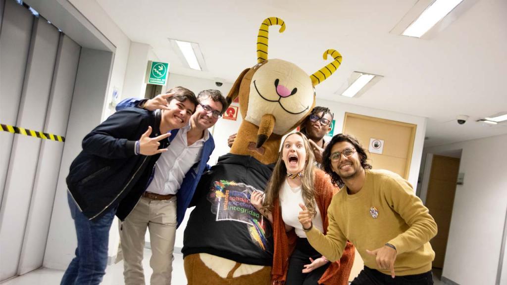 Foto de estudiantes con Séneca