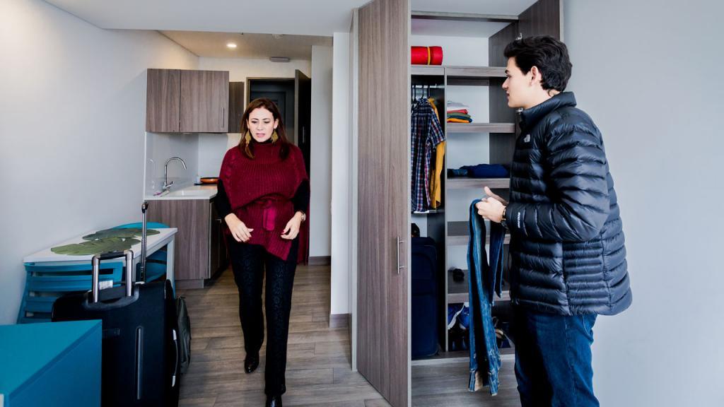Los apartamentos son muy amplios, cómodos y luminosos, con un diseño moderno, actual y de excelentes cualidades.