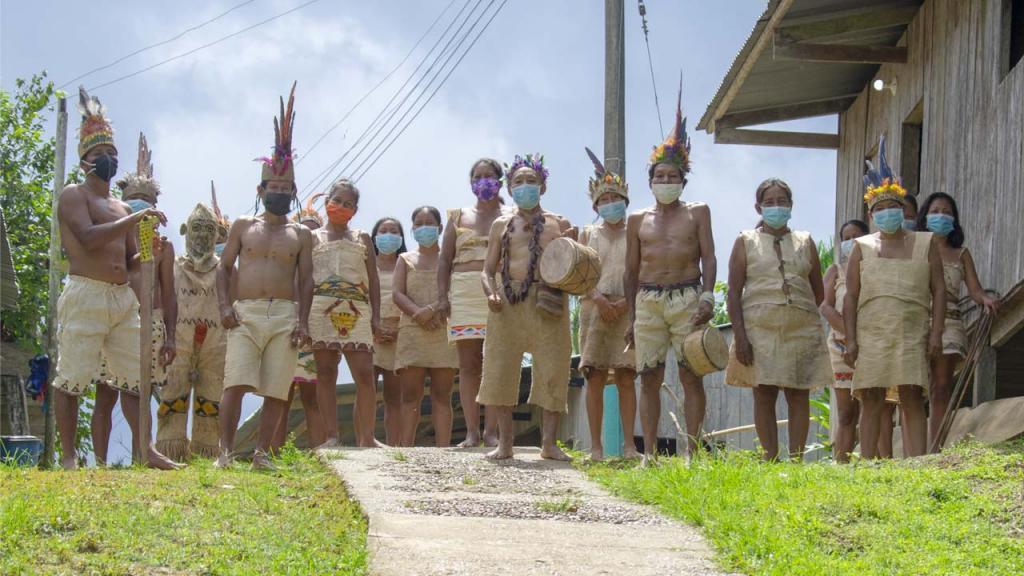 Indigenas Tikuna en Leticia Colombia Eduardo Behrentz