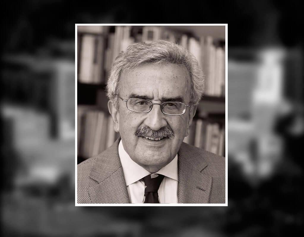 Profesor Carlos Dávila