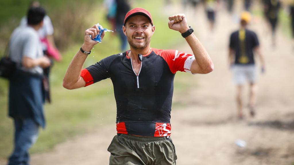 Con el fin de apoyar la carrera, antes del 21 de octubre se realizó el evento 24 horas corriendo X Quiero Estudiar Deportes.