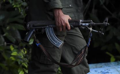 Foto de hombre armado