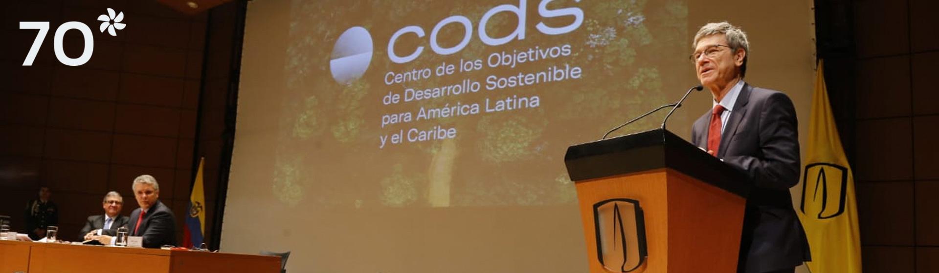 Jeffrey Sachs interviene en el lanzamiento del Centro de Desarrollo Sostenible, con sede en Los Andes.