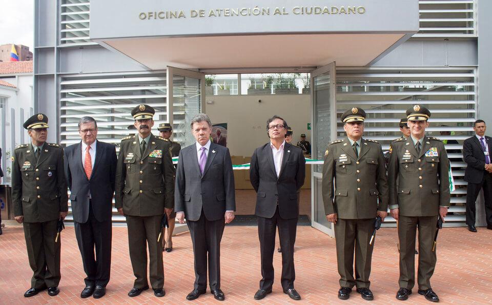 Pablo Navas, Juan Manuel Santos y Gustavo Petro