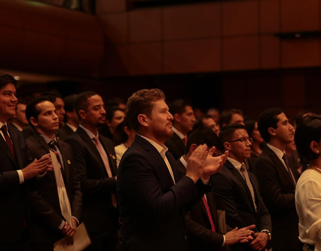 Invitados durante la ceremonia de grados de posgrado 2017-2