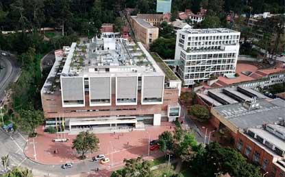 Fachada edificio de la Universidad de los Andes