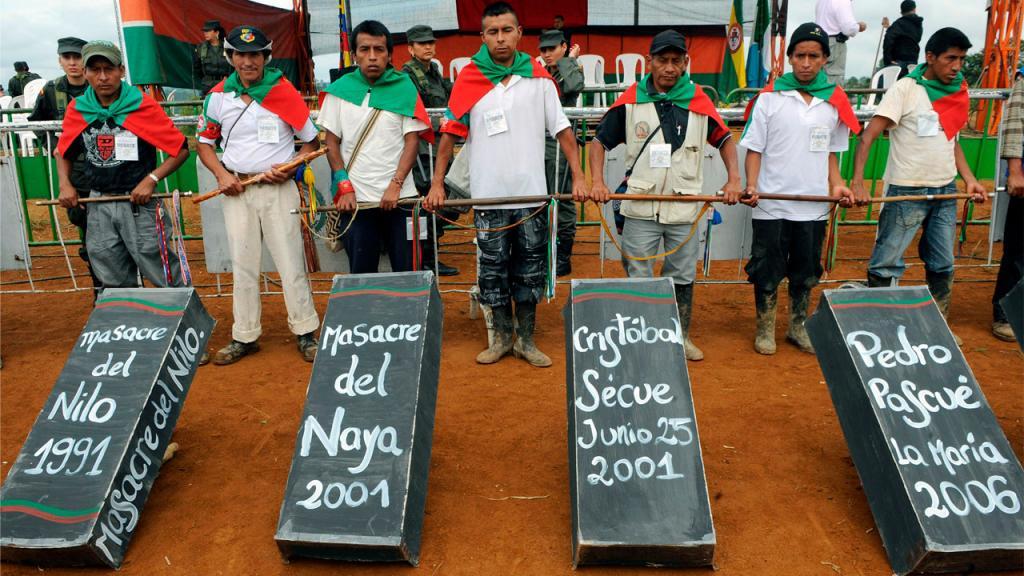 Indígenas rinden homenaje a víctimas de masacres.