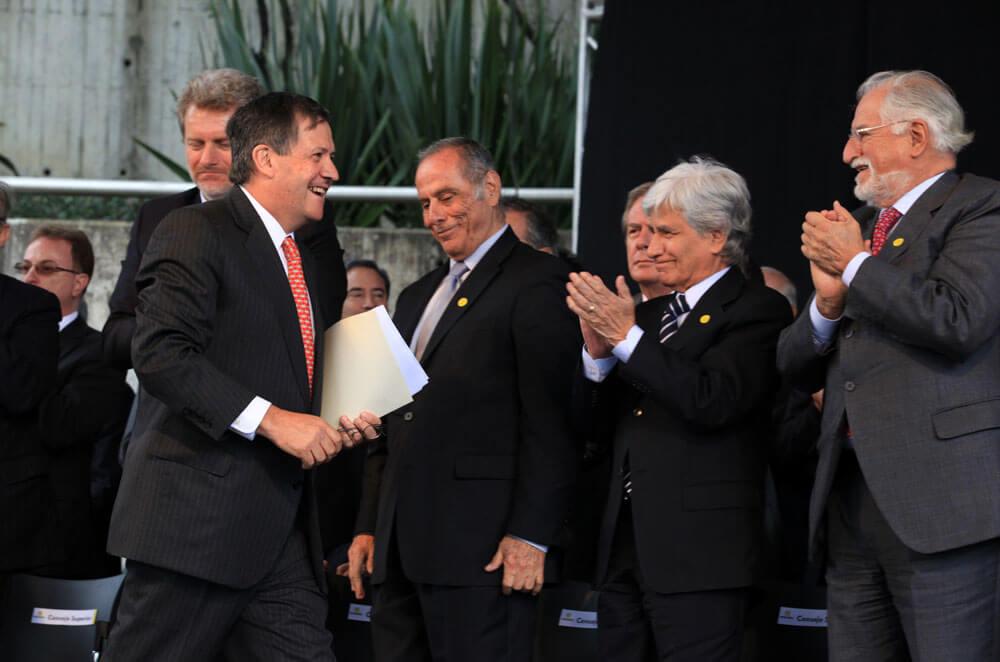 La posesión de Pablo Navas como rector