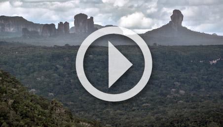 Paisaje montañoso en el Guaviare