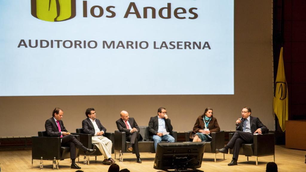 Panel de seis expertos en movilidad.