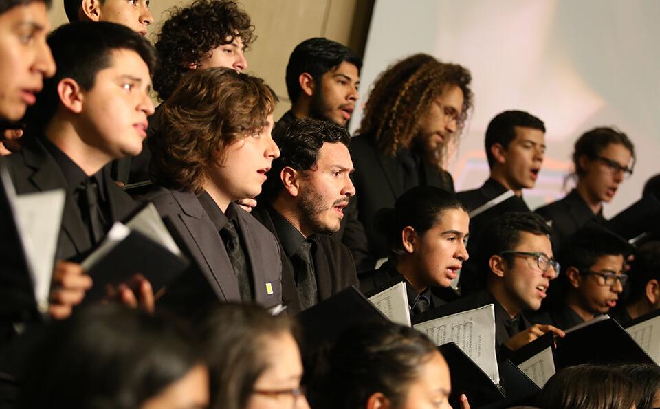Foto integrantes coro uniandes