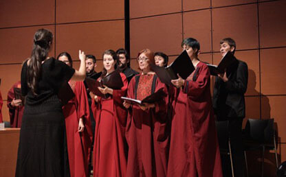 coro-uniandes-interpreta-himno-nacional-thumb