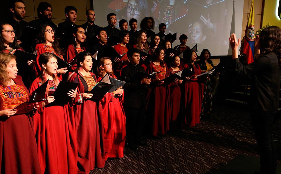 Foto de los integrantes del Coro Uniandes