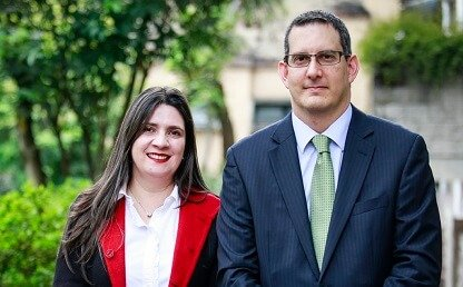 Profesores Ana María Muñoz y Ricardo Posada Maya presentan el libro 'Derecho penal del trabajo: una mirada de doble vía'.